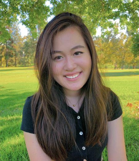 Maia Lee '21 portrait